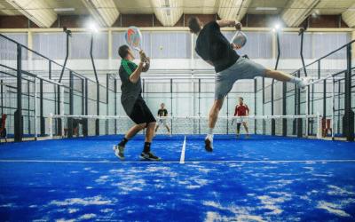 Faites du padel/squash près de Montpellier, avec 5 Raquettes